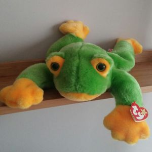 Large Original Ty Beanie Buddy Smoochy The Frog/Retired for Sale in Germantown, MD
