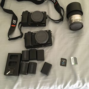 Sony A6000 for Sale in Huntington Beach, CA