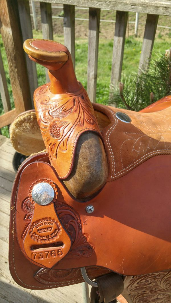Billy Cook saddle Barely used 16inc. Asking $ 1800.00 or obo.