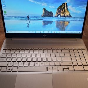 HP laptop . Core i5-1035G1. 512 GB Intel SSD. 12 GB DDR4-2666 SDRAM. Paid $660+ Tax for Sale in Brooklyn, NY