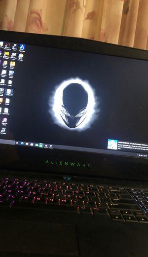 Alienware 2019 laptop m17 *damaged corner* for Sale in Houston, TX