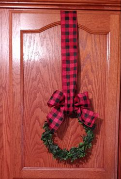 Decorative Kitchen Cabinet Christmas Wreaths for Sale in South Gate,  CA