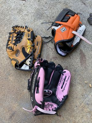 """Junior size baseball gloves 8 1/2 inches to 9 1/2"""" for Sale in Cerritos, CA"""