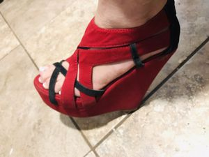 Red and black heels for Sale in Phoenix, AZ