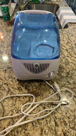 Vicks humidifier for Sale in Fontana, CA