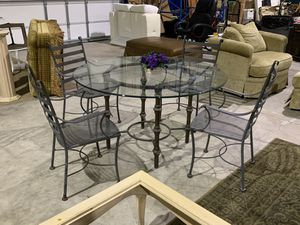 Large Round Glass Top & Metal Table (Heavy) with 4 Metal Chairs for Sale in West Palm Beach, FL