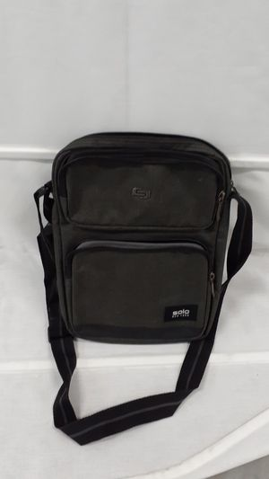 Solo Crossbody Tablet Carrier /Messenger Bag for Sale in San Diego, CA