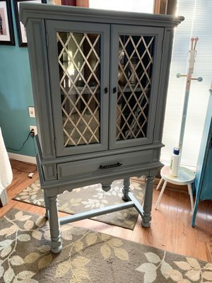Gorgeous Vintage Refinished China Cabinet for Sale in Bowie, MD