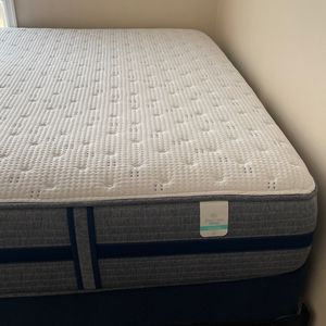 King Mattress With Box Spring for Sale in Washington, DC