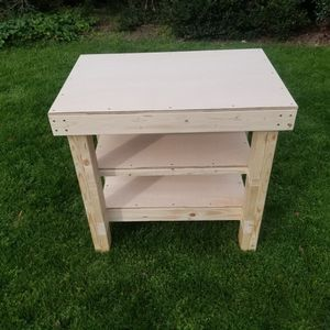 Sewing machine Table for Sale in Raleigh, NC