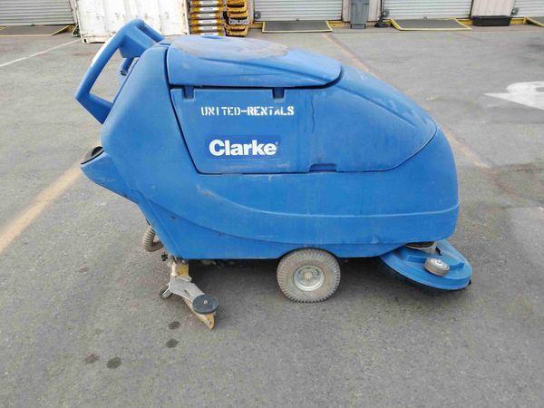 """2017 Clarke 28"""" Floor Scrubber"""