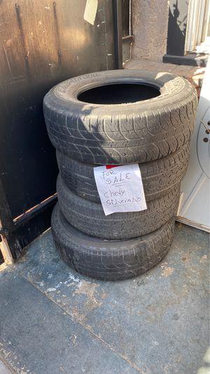 Chevy Silverado tires 265/70r17 for Sale in Fresno, CA