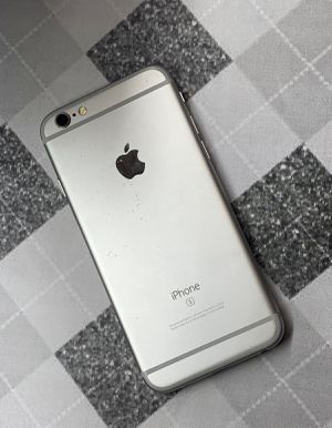 IPhone 6s 64 GB Unlocked for Sale in Malden, MA