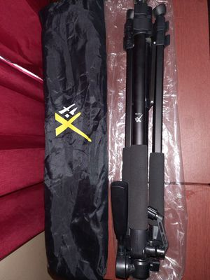 "Xit XT60TRB 60"" Pro Series Full Size Camera/Video Tripod for Sale in Lexington, KY"