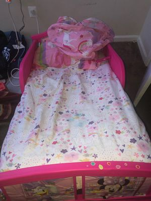 Toddler bed Minnie mouse for Sale in Temple Hills, MD