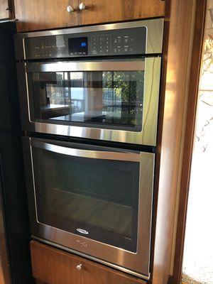 New Whirlpool oven for Sale in Mercer Island, WA