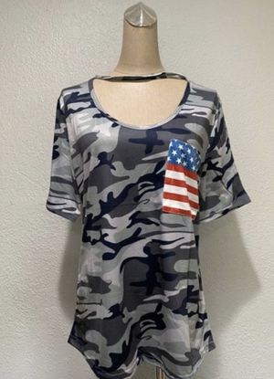 Women's Camouflage Printed American Flag Size Large for Sale in Baldwin Park, CA