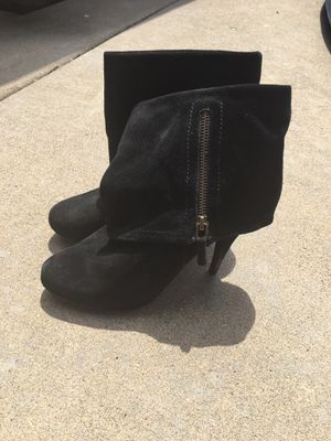 8 1/2 WOMENS Heel Boots for Sale in Midlothian, IL