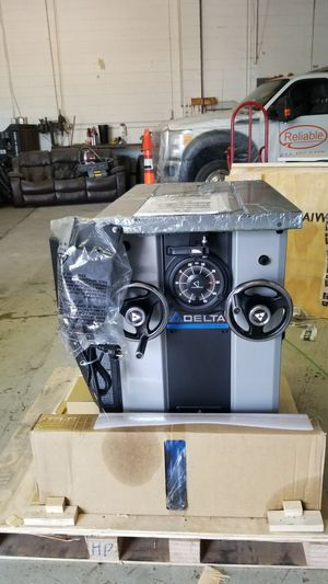 Delta Unisaw Table Saw. BRAND NEW for Sale in Columbus, OH