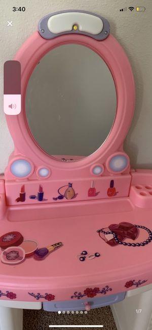 Step 2 Fantasy Vanity for Sale in Wesley Chapel, FL