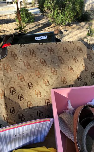 Purses and wallets for Sale in El Mirage, AZ