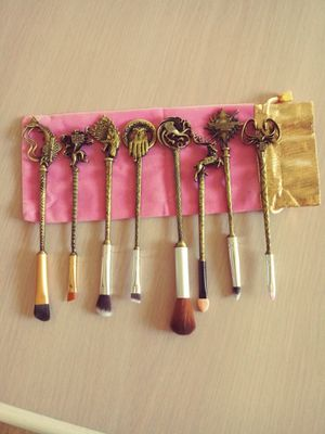 Game of thrones make-up brushes new for Sale in Hemet, CA