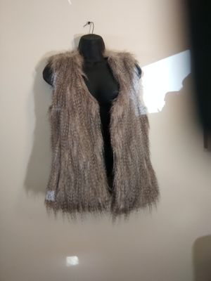 Alan b faux fur size small s vest crinkle raccoon for Sale in Takoma Park, MD