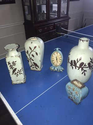 Home decor vases clock for Sale in Carrollton, TX