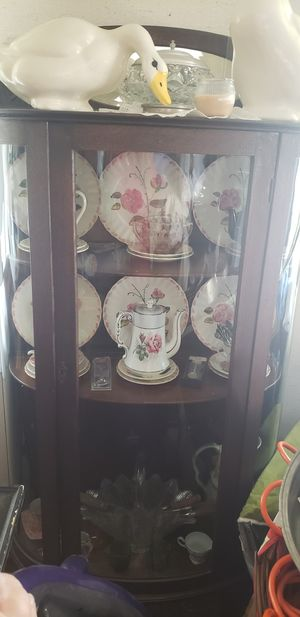 Antique cabinet for Sale in Mechanicsburg, OH