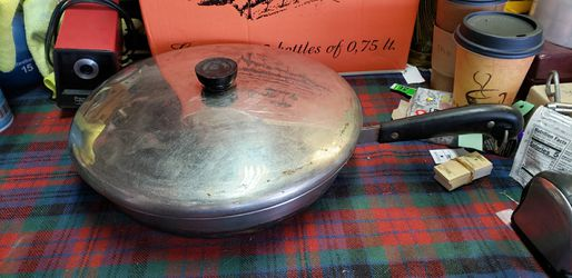 Vintage Revere Ware 1801 Copper Clad 12 Inch Skillet Frying Pan with Lid revereware for Sale in Orange,  CA