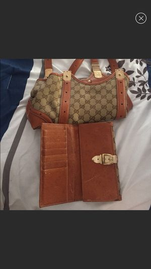 Authentic Gucci bag and wallet for Sale in Shelton, CT