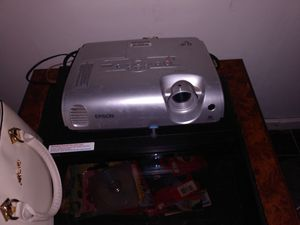 Epson projector works fine with dvd for Sale in San Bernardino, CA