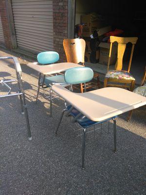 $10 each desks for Sale in Wichita, KS