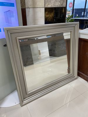 Mirror 44x41 for Sale in Katy, TX
