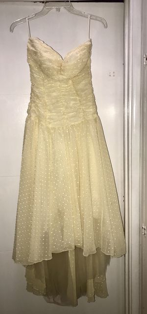 Yellow dress prom/homecoming gown, Nordstrom for Sale in Livermore, CA