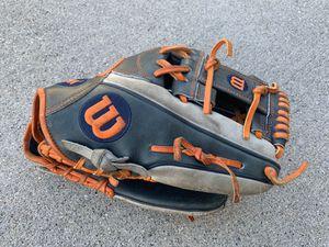 Wilson A2000 Baseball Softball Glove for Sale in McCordsville, IN