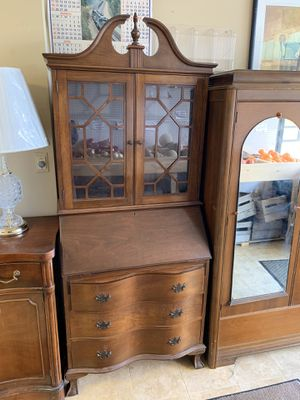 Gorgeous Federal Style Bowfront Ball & Claw Footed Secretary Desk for Sale in Baltimore, MD