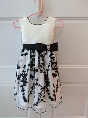 Fancy black and white dress - 2t for Sale in Gaithersburg, MD