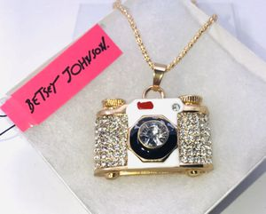 """Betsey Johnson """"LET'S SAY 📷 CHEESE!"""" Super cute white rhinestone embellished camera 📷 necklace NEW! for Sale in Carrollton, TX"""