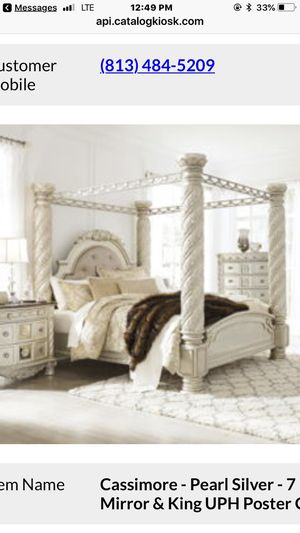 Beautiful Ashley Poster Bed Set for Sale in Tampa, FL