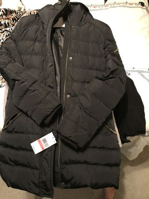 Michael Kors puffy jacket. BRAND NEW. for Sale in Dallas, TX