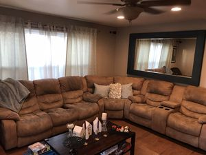 Couch, sofa, sectional, living room, living room set for Sale in Chula Vista, CA
