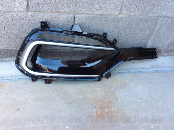 2017-2018 Hyundai Santa Fe right OEM passenger HID HEADLIGHT part#92102-4Z510 dealer price is 1111.15 ,will sale for 500.00$,also have right passen