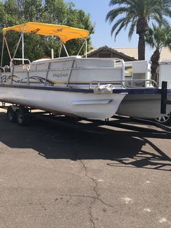 Playcraft Tritoon With A 225 HP 4 Cycle Mercy for Sale in Phoenix,  AZ
