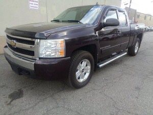 2008 Chevy Silverado LT1 extended cab 4WD for Sale in Carlstadt, NJ