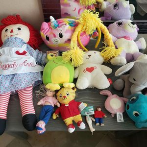 Dolls and Stuffed Animal Lot! for Sale in West Covina, CA