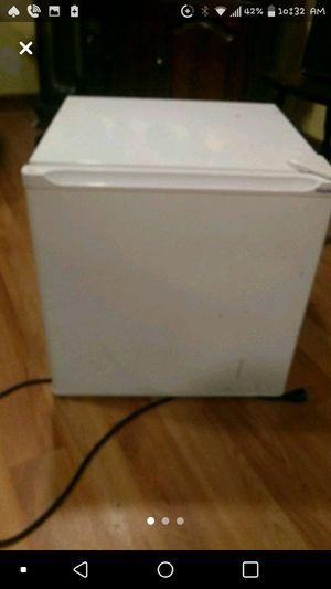 White mini fridge 1.7cu for Sale in Taunton, MA
