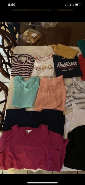 Bundle of clothes for Sale in Compton, CA