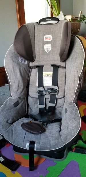 Britax car seat. Obo for Sale in Lake Mills, WI