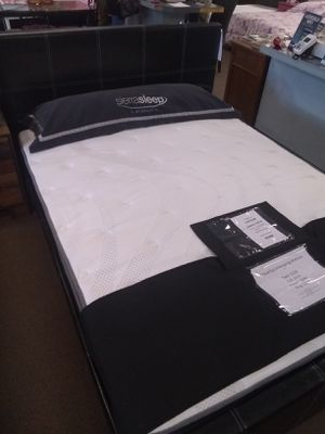 Queen size platform bed frame with Pillow Top Innerspring Mattress included for Sale in Glendale, AZ